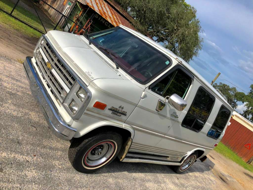 1991 Chevrolet Chevy G20 Conversion Van (Shorty/Classic
